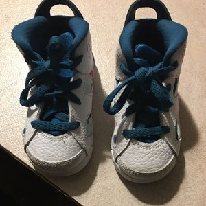Ugg boots size 2/3 also same ugg boots Jordan's 5c